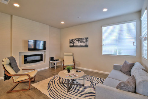 Upscale Two-Level 4BR Home in East Palo Alto at Montage Circle