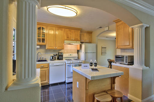 image 2 furnished 2 bedroom House for rent in Menlo Park, San Mateo (Peninsula)