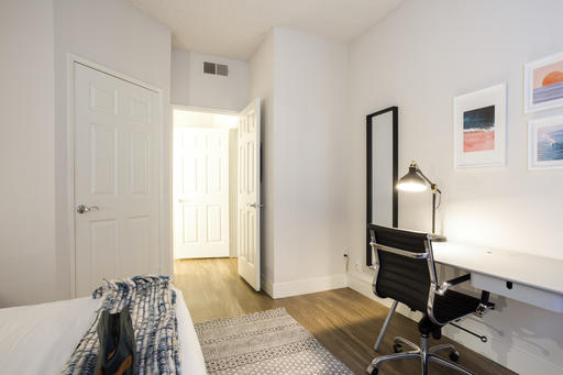 image 9 furnished 1 bedroom Apartment for rent in Park La Brea, Metro Los Angeles
