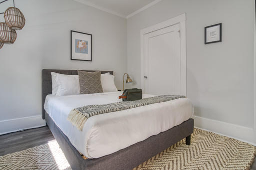 image 5 furnished Studio bedroom Apartment for rent in Oakland Downtown, Alameda County