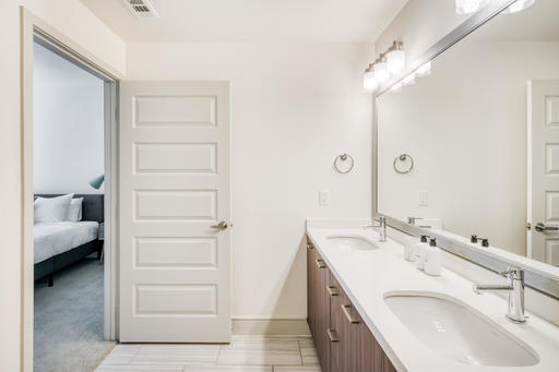 image 6 furnished 2 bedroom Apartment for rent in Inglewood, South Bay