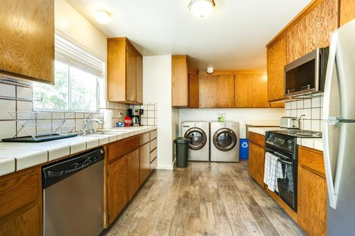 image 5 furnished 3 bedroom House for rent in Mountain View, San Mateo (Peninsula)