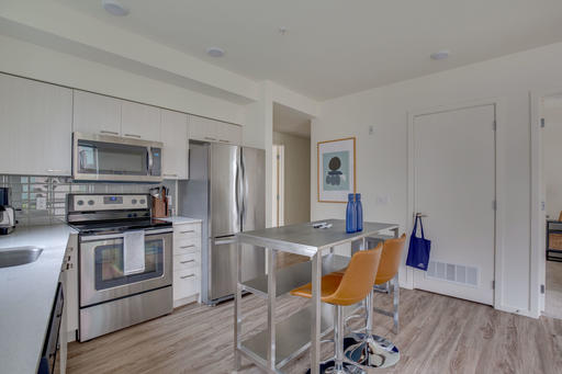 image 6 furnished 2 bedroom Apartment for rent in Mercer Island, Seattle Area