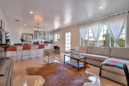 $5610 2 Santa Monica West Los Angeles, Los Angeles