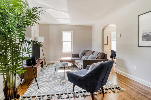 image 2 furnished 3 bedroom House for rent in Arlington, DC Metro