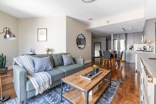 $3210 2 Forest Hills, DC Metro