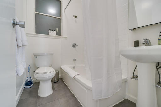 image 9 furnished 2 bedroom Apartment for rent in Oakland Downtown, Alameda County