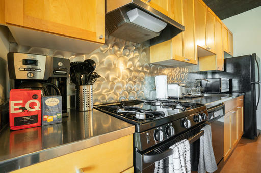 image 3 furnished 1 bedroom Apartment for rent in South of Market, San Francisco