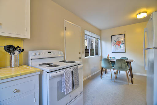 image 6 furnished 2 bedroom Apartment for rent in Palo Alto, San Mateo (Peninsula)