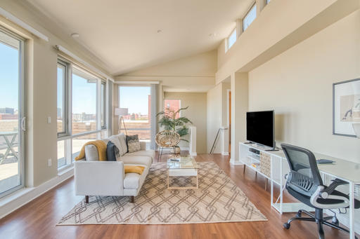 image 1 furnished 3 bedroom Apartment for rent in Emeryville, Alameda County