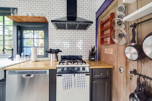 image 4 furnished Studio bedroom House for rent in Emeryville, Alameda County