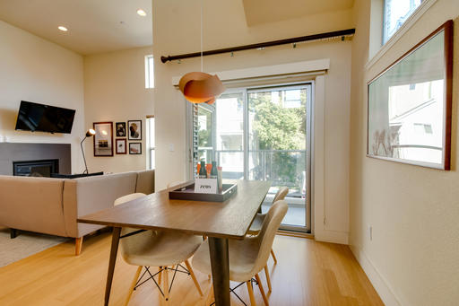 image 4 furnished 3 bedroom Apartment for rent in Menlo Park, San Mateo (Peninsula)