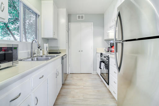 image 5 furnished 2 bedroom Apartment for rent in Palo Alto, San Mateo (Peninsula)