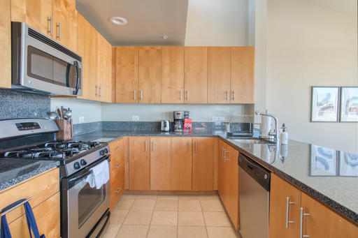 image 6 furnished 3 bedroom Apartment for rent in Emeryville, Alameda County