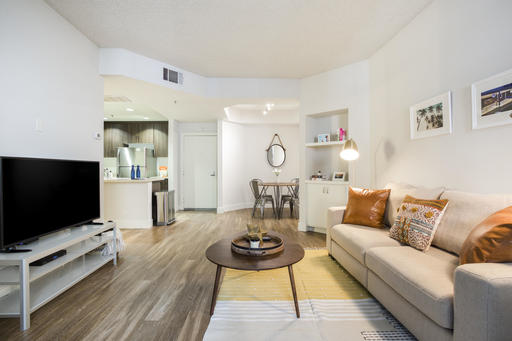 image 3 furnished 1 bedroom Apartment for rent in Park La Brea, Metro Los Angeles