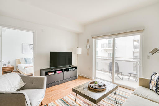 image 2 furnished 1 bedroom Apartment for rent in Glendale, San Fernando Valley