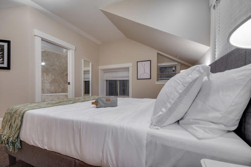 image 9 furnished 2 bedroom House for rent in Pacific Heights, San Francisco