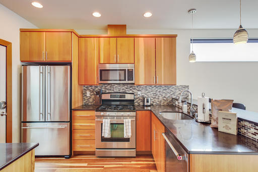 image 6 furnished 3 bedroom Apartment for rent in Queen Anne, Seattle Area