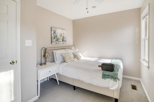 image 2 furnished 3 bedroom Apartment for rent in Arlington, DC Metro