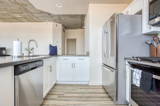 image 4 furnished 2 bedroom Apartment for rent in Oakland Downtown, Alameda County