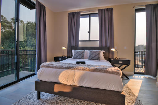 image 2 furnished 3 bedroom Apartment for rent in Palo Alto, San Mateo (Peninsula)