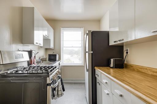 image 6 furnished 2 bedroom Apartment for rent in Parkmerced, San Francisco