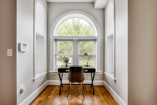 image 2 furnished 3 bedroom House for rent in Bloomingdale, DC Metro