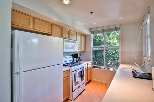 image 5 furnished 3 bedroom Apartment for rent in Mountain View, San Mateo (Peninsula)