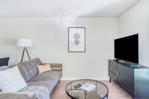 image 2 furnished 1 bedroom Apartment for rent in Walnut Creek, Contra Costa County