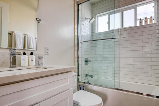 image 10 furnished 2 bedroom Apartment for rent in Manhattan Beach, South Bay