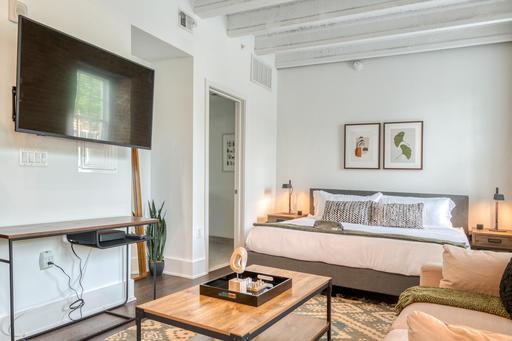 image 2 furnished Studio bedroom Apartment for rent in Alexandria, DC Metro
