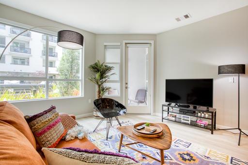 image 1 furnished 1 bedroom Apartment for rent in Glendale, San Fernando Valley