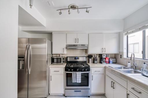 image 5 furnished 2 bedroom Apartment for rent in Glendale, San Fernando Valley