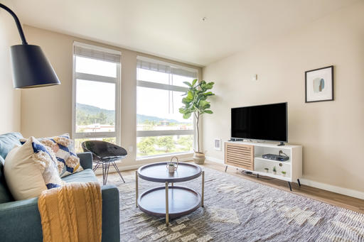 image 2 furnished 1 bedroom Apartment for rent in Issaquah, Seattle Area