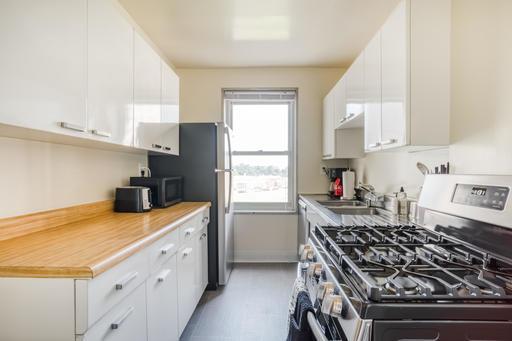image 7 furnished 1 bedroom Apartment for rent in Parkmerced, San Francisco
