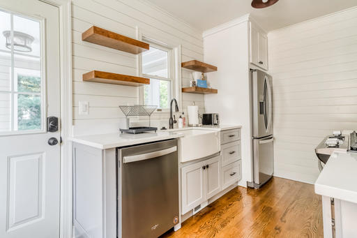 image 5 furnished 3 bedroom House for rent in Arlington, DC Metro