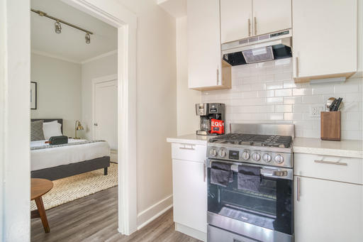 image 6 furnished Studio bedroom Apartment for rent in Oakland Downtown, Alameda County