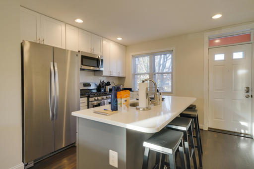 image 6 furnished 3 bedroom Apartment for rent in Alexandria, DC Metro