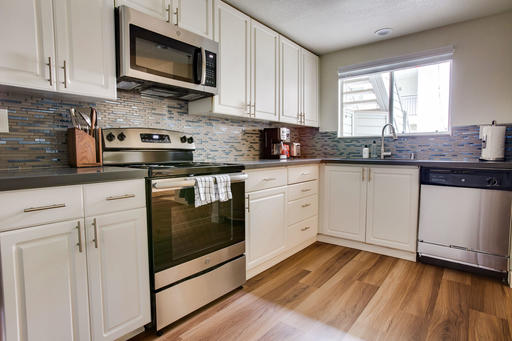 image 5 furnished 2 bedroom Apartment for rent in Pleasanton, Alameda County