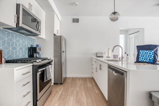 image 5 furnished 2 bedroom Apartment for rent in Eagle Rock, Metro Los Angeles
