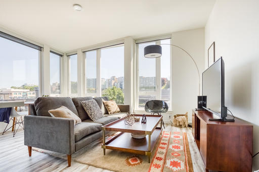 2 bedroom Queen Anne