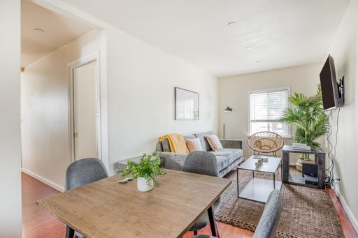 image 2 furnished 2 bedroom Apartment for rent in Redwood City, San Mateo (Peninsula)