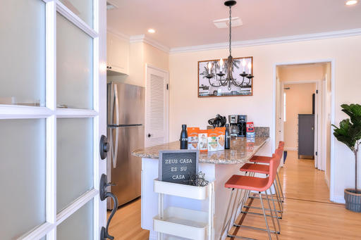 $5190 2 Santa Monica West Los Angeles, Los Angeles