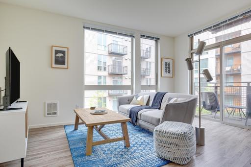 2 bedroom Mercer Island