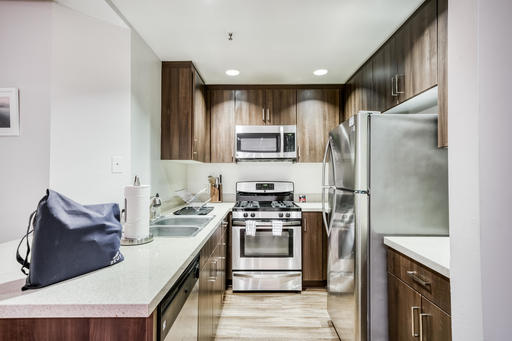 image 6 furnished 2 bedroom Apartment for rent in Park La Brea, Metro Los Angeles