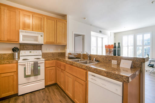 image 2 furnished 2 bedroom Apartment for rent in Oakland Downtown, Alameda County