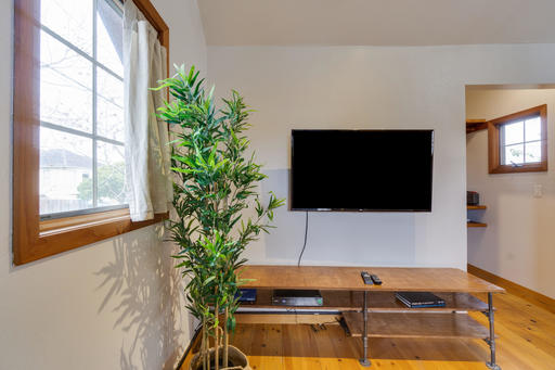 image 7 furnished 1 bedroom House for rent in Emeryville, Alameda County