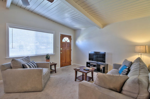 Comfy 3BR House in Quiet Neighborhood