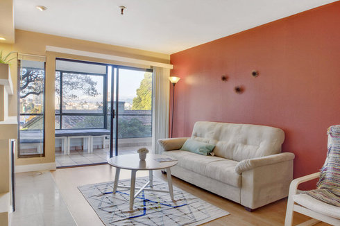 Sleek Condo on Lake Merritt Shore